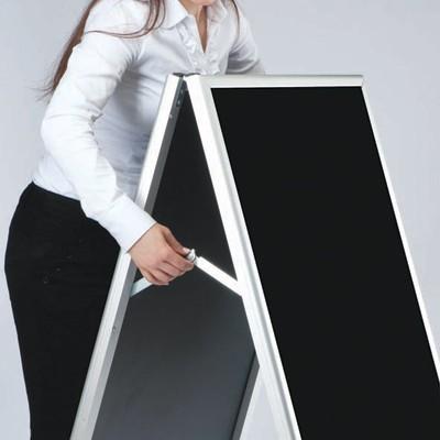 A-Board Gatupratare med Blackboard