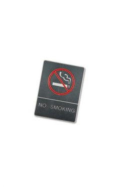 "Skylt ""No smoking"" med blindskrift"